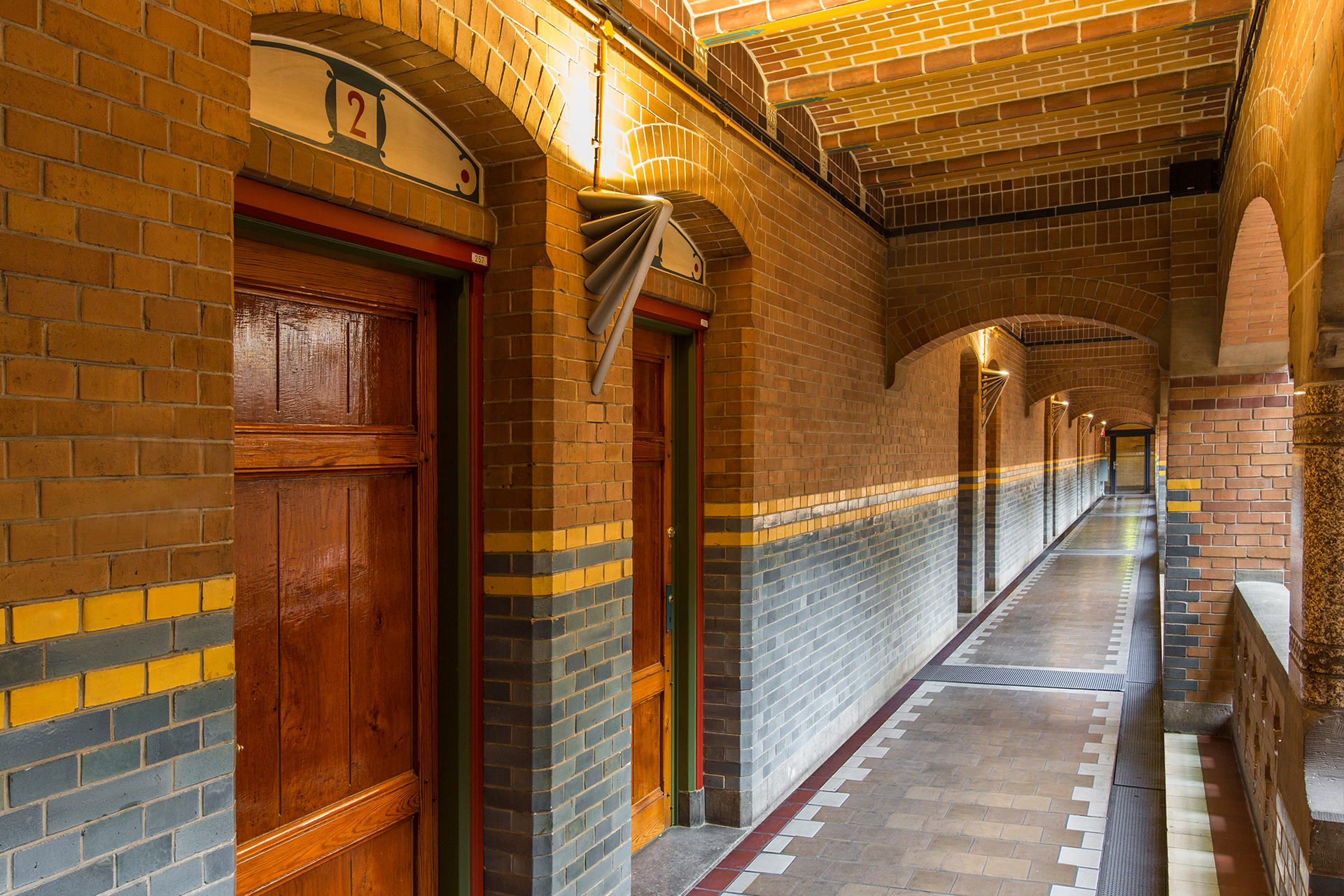 Amsterdam beurs van berlage why you should visit for Interieur beurs