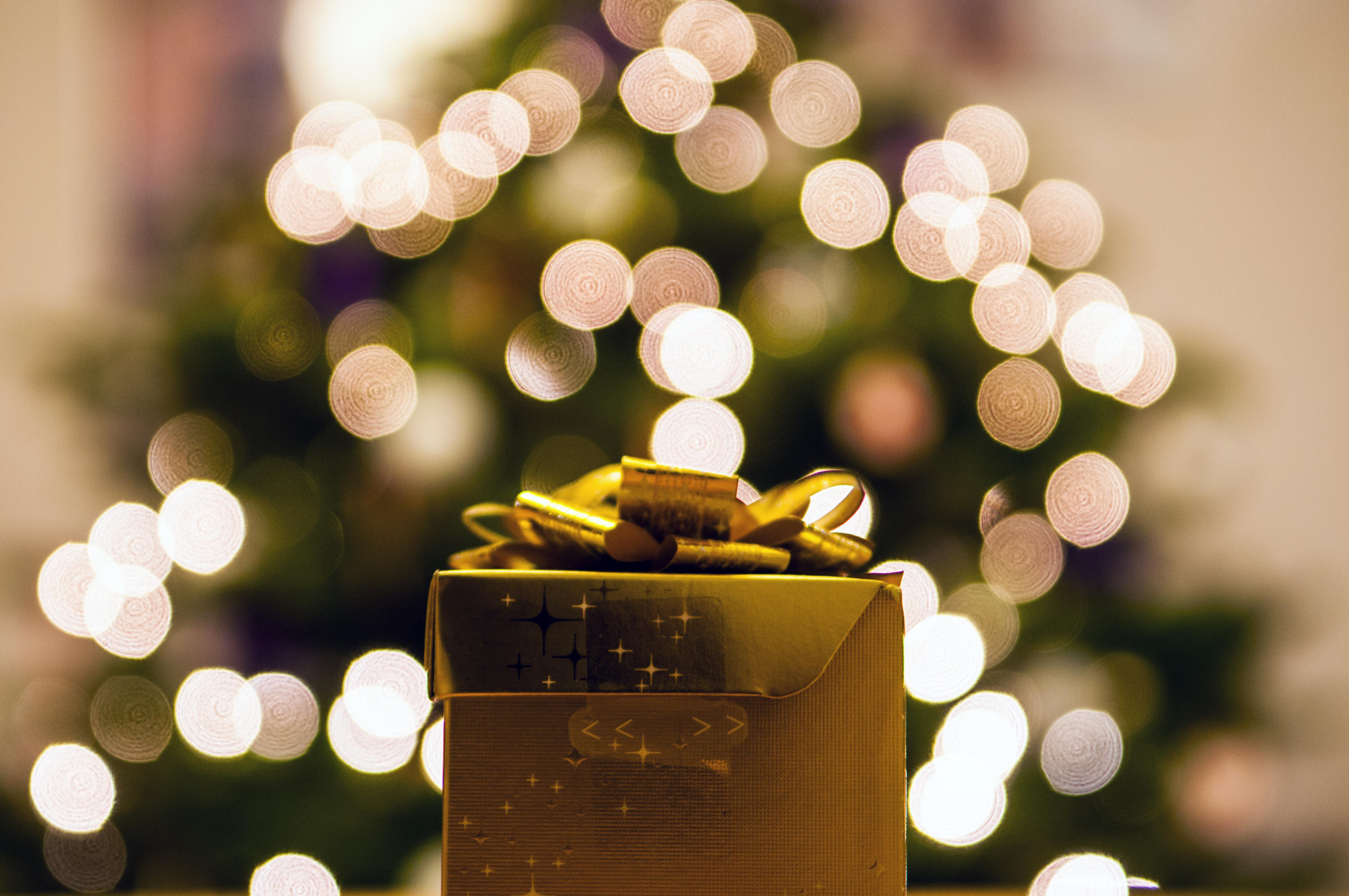 pexels-photo-76931-cadeautje