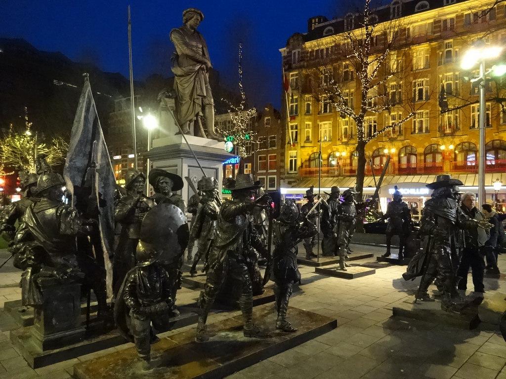 Rembrandtplein statues
