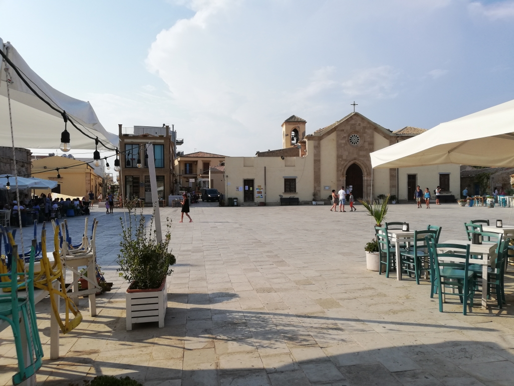 Marzamemi piazza