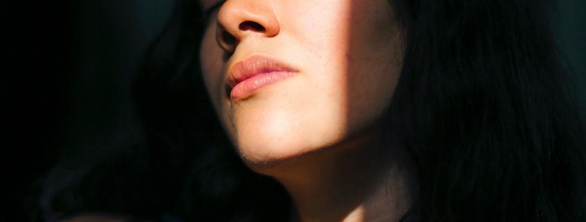 vrouw zonlicht